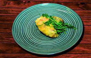 Филе судака с креветками под сыром Пармезан