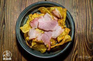 Картофельные чипсы с беконом