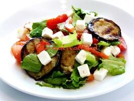 Салат с овощами Гриль