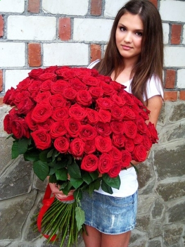 Фаворитка (101 роза)