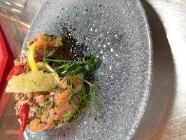 Тар-тар с лососем и  авокадо