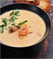 Сирний суп з індичкою і тигровою креветкою