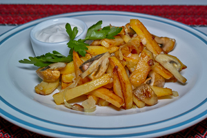 Картопля смажена по-домашньому з грибами