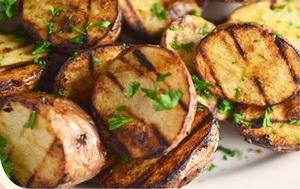 Добавка к шаурме картофель на мангале