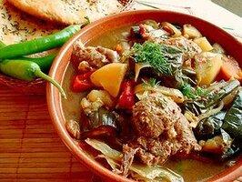 Баранина з овочами