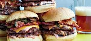 Чізбургер подвійний з беконом