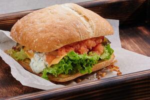 Тар-тар сендвіч зі слабосоленим лососем