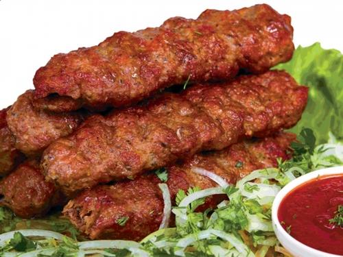 Люля-кебаб говяжий с зеленью в лаваше