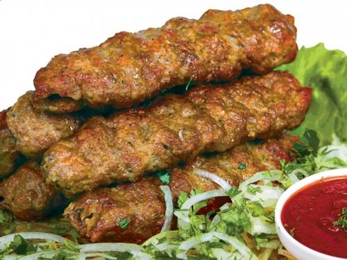 Люля-кебаб куриный с зеленью в лаваше