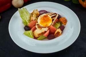 Наш грецький салат з сиром на грилi