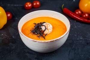 Тайский суп iз куркою, креветками i чoрною локшиною