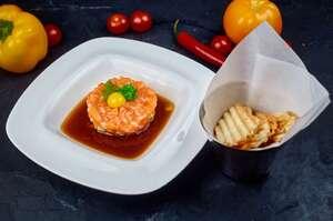 Тартар з лосося з соусом Понзу