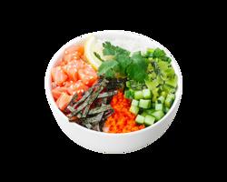 Поке з лососем, ківі та пікантним соусом теріякі