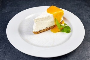 Чізкейк із гарбузово-апельсиновим соусом