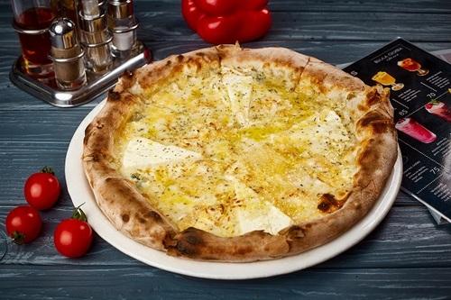 Адигейська піца з шістьма сирами